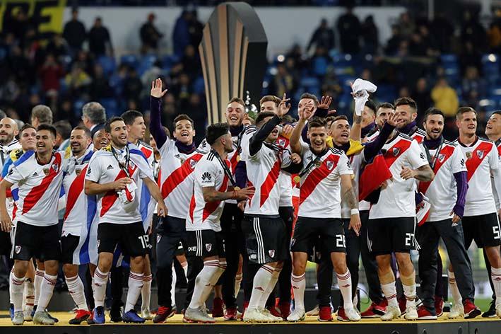 River Plate celebra el titulo de la copa libertadores 2018.