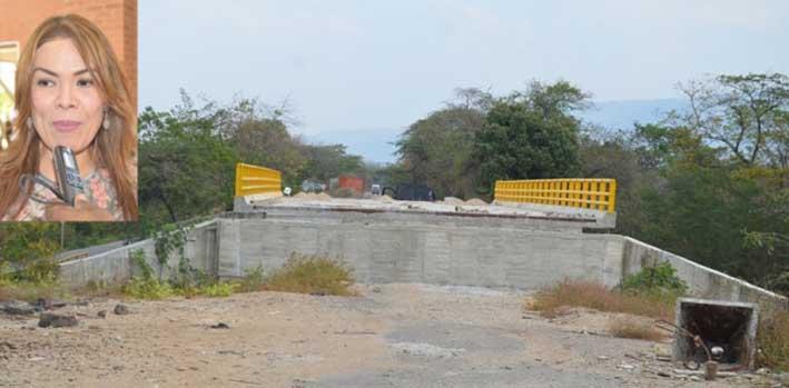 Puente Moreno, localizado al lado del poblado de Villa Martín, conocido como Machobayo, en el distrito de Riohacha.