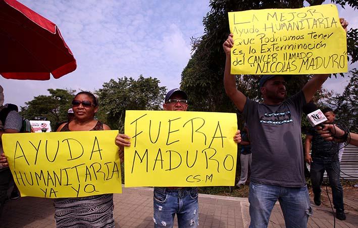 Los enfermeros venezolanos exigieron ea las autoridades del país permitir el ingreso de la ayuda humanitaria que ha solicitado el Parlamento, de mayoría opositora,