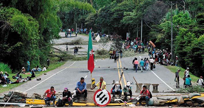 Autoridades indígenas reiteraron que continúan en Minga, a la espera de la llegada del presidente de Colombia, Iván Duque. Foto: Revista Semana.