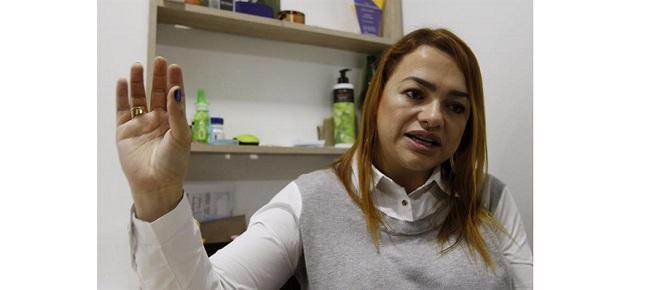 6ecde32e0a7f Colombiana afianza marca de bisutería con manos de mujeres cabeza de familia