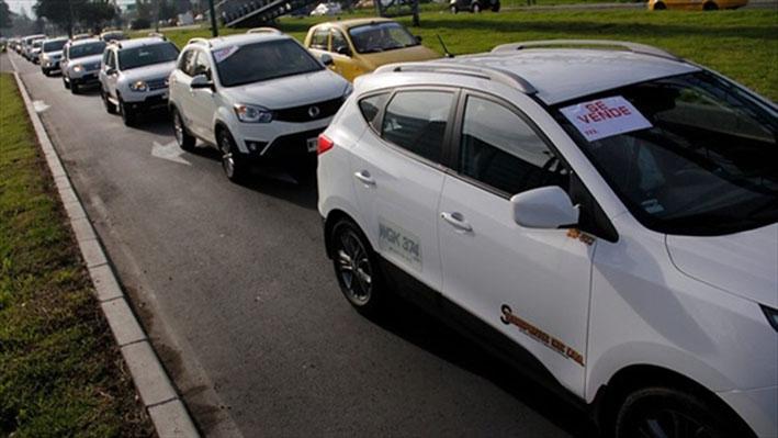 Taxista dispara un balín en la cabeza a conductor de Uber