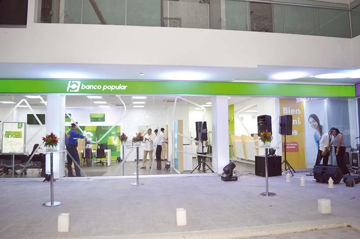 Nueva sucursal del banco popular en la avenida del libertador for Oficinas banco popular pamplona