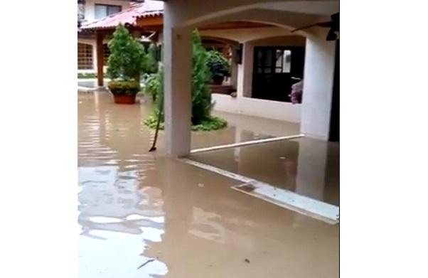 Lluvias nocturnas han inundado viviendas en bello horizonte for Muebles abello