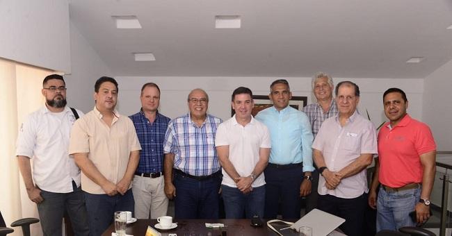 El gerente de la Empresa de Servicios Públicos de Santa Marta, Essmar, José Rodrigo Dajud Durán, estuvo presente en la reunión con el comité intergremial y miembros de la junta directiva de la Cámara de Comercio de Santa Marta