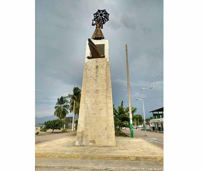 Monumento al Caimán Cienaguero y Tomasita en Ciénaga.