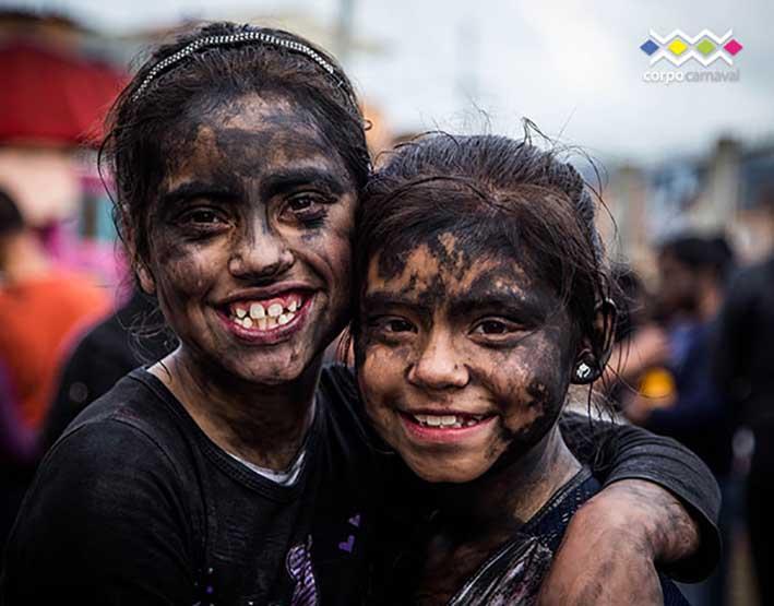 5875957783b Pasto se viste de fiesta con el Carnaval de Negros y Blancos