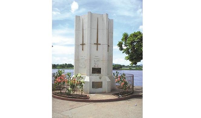 Monumento a los Héroes de la Batalla de la Humareda.
