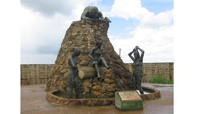 Monumento al Hombre Caimán en Plato.